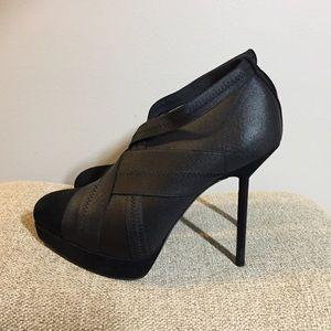 💯Yves Saint Laurent Divine Elastic Ankle Bootie